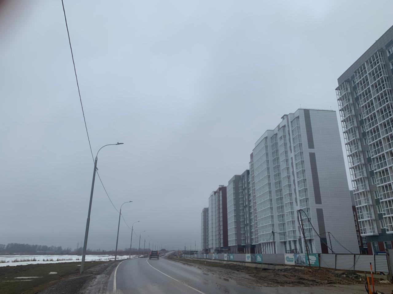 Работы по установке опор освещения завершили в поселении Десеновское. Фото предоставили сотрудники администрации