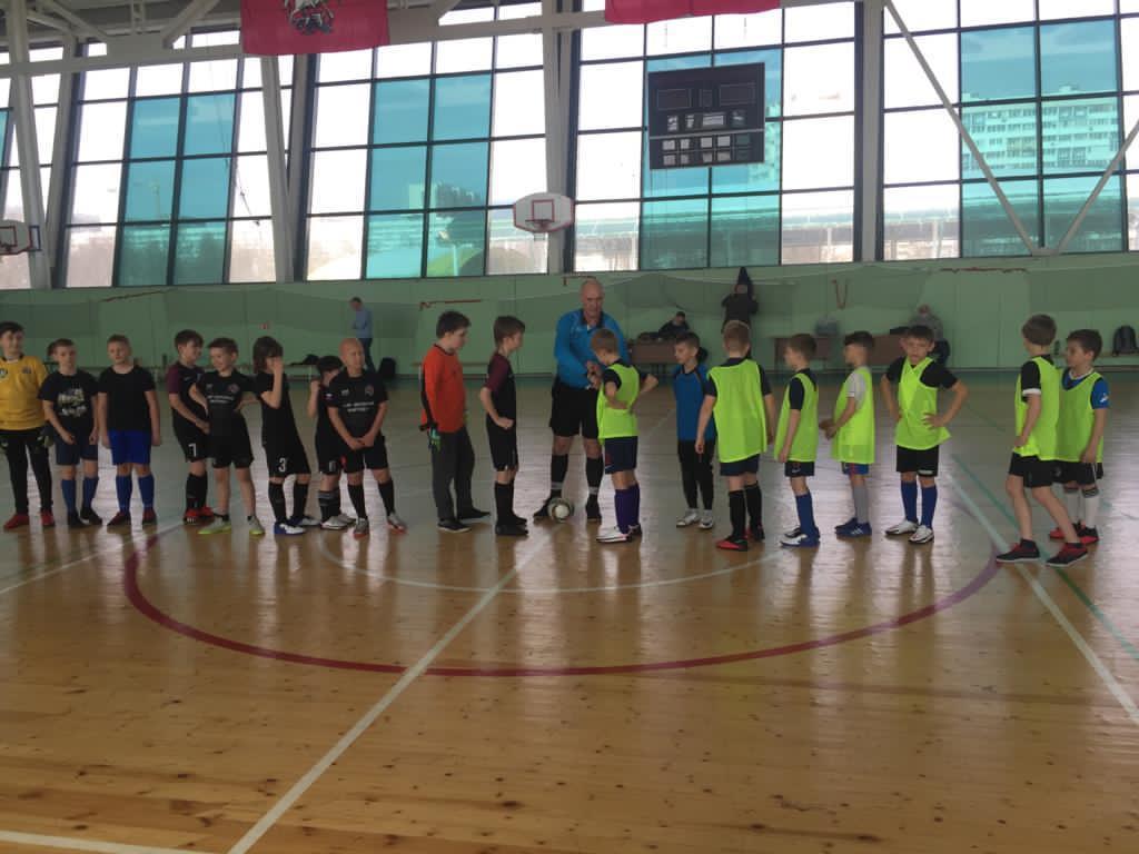 Спортсмены поселения Десеновское вышли в полуфинал межокружной спартакиады по мини-футболу