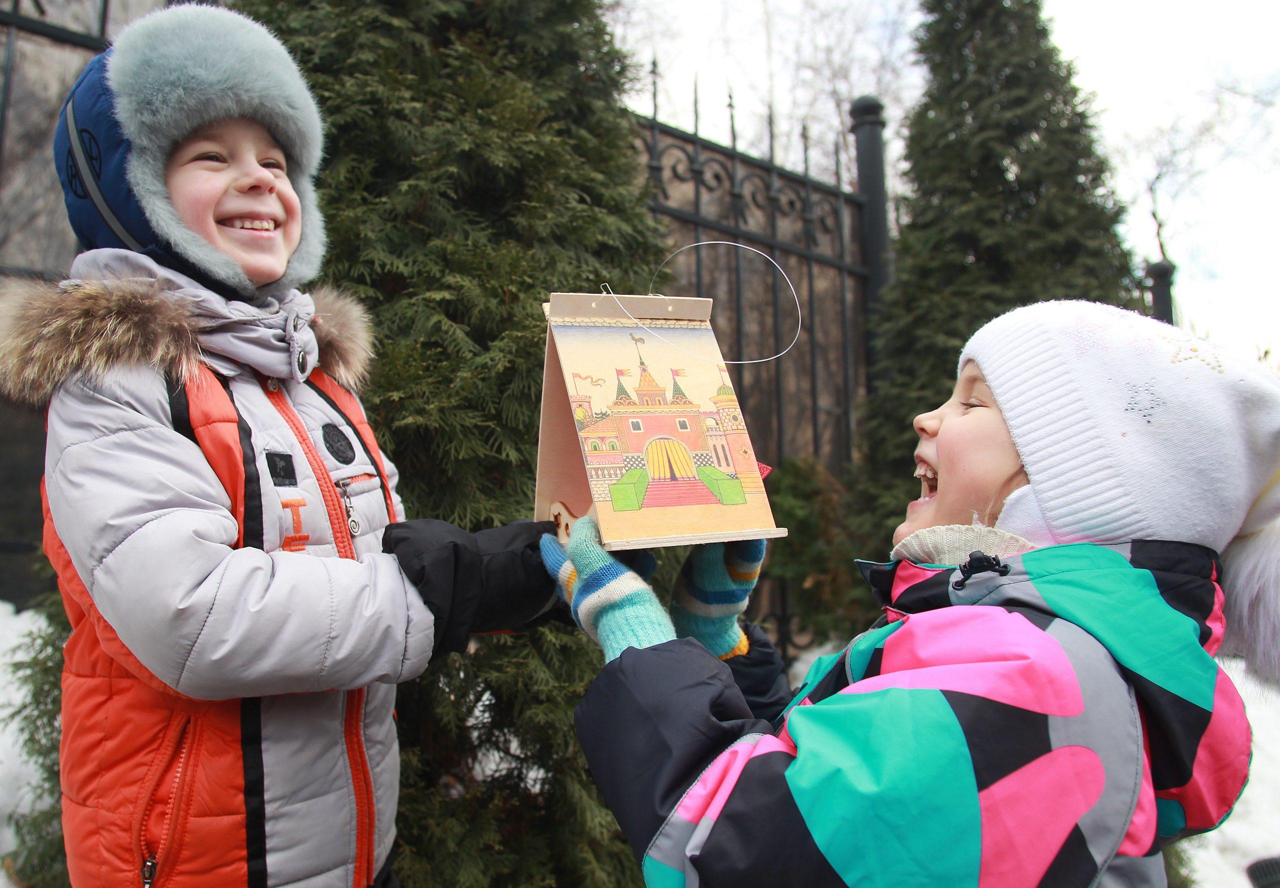 Фигурные панели украсят окна детского сада в Филимонковском