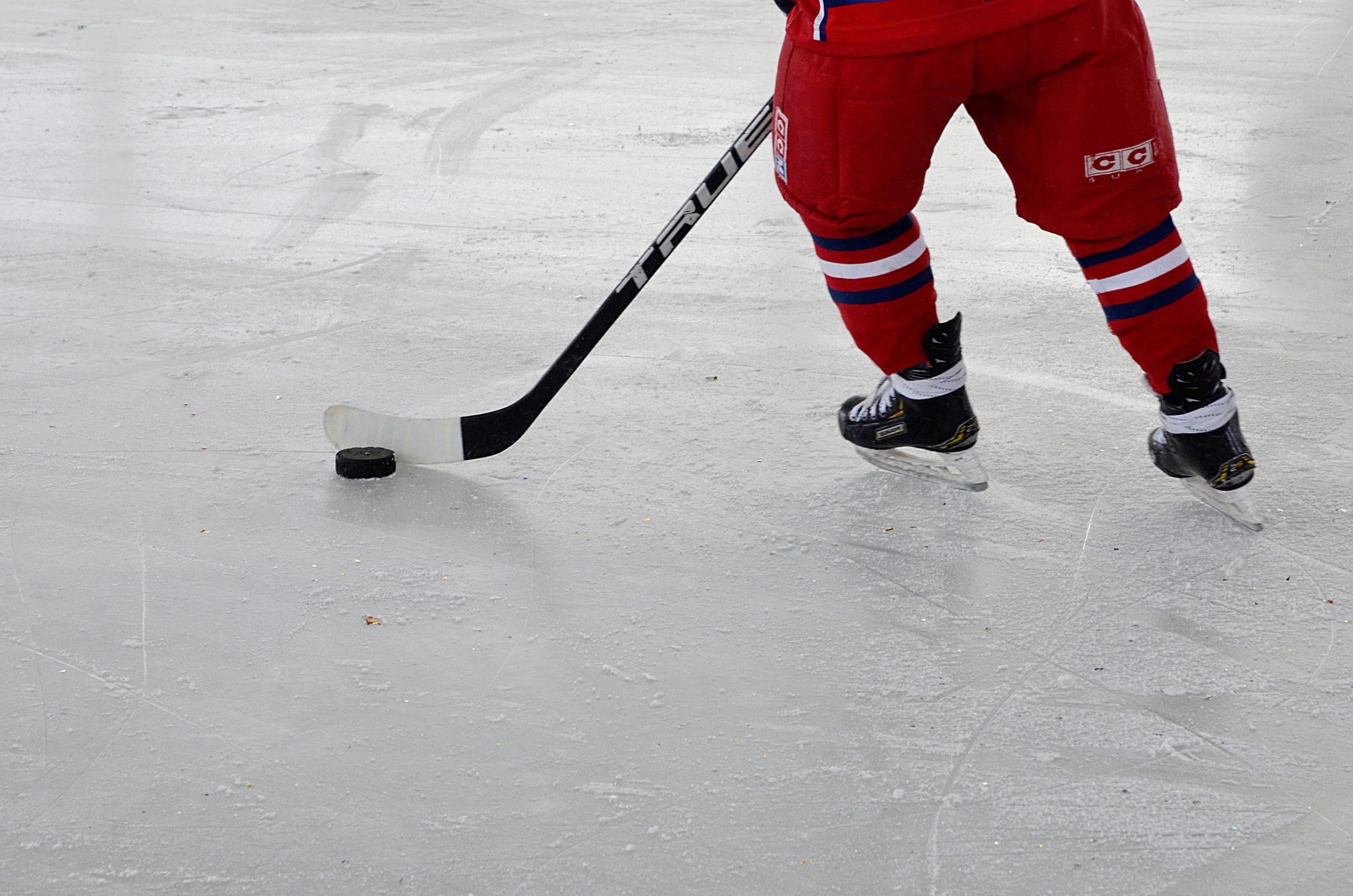 Спортсмены поселения Кленовское вышли в полуфинал спартакиады по хоккею