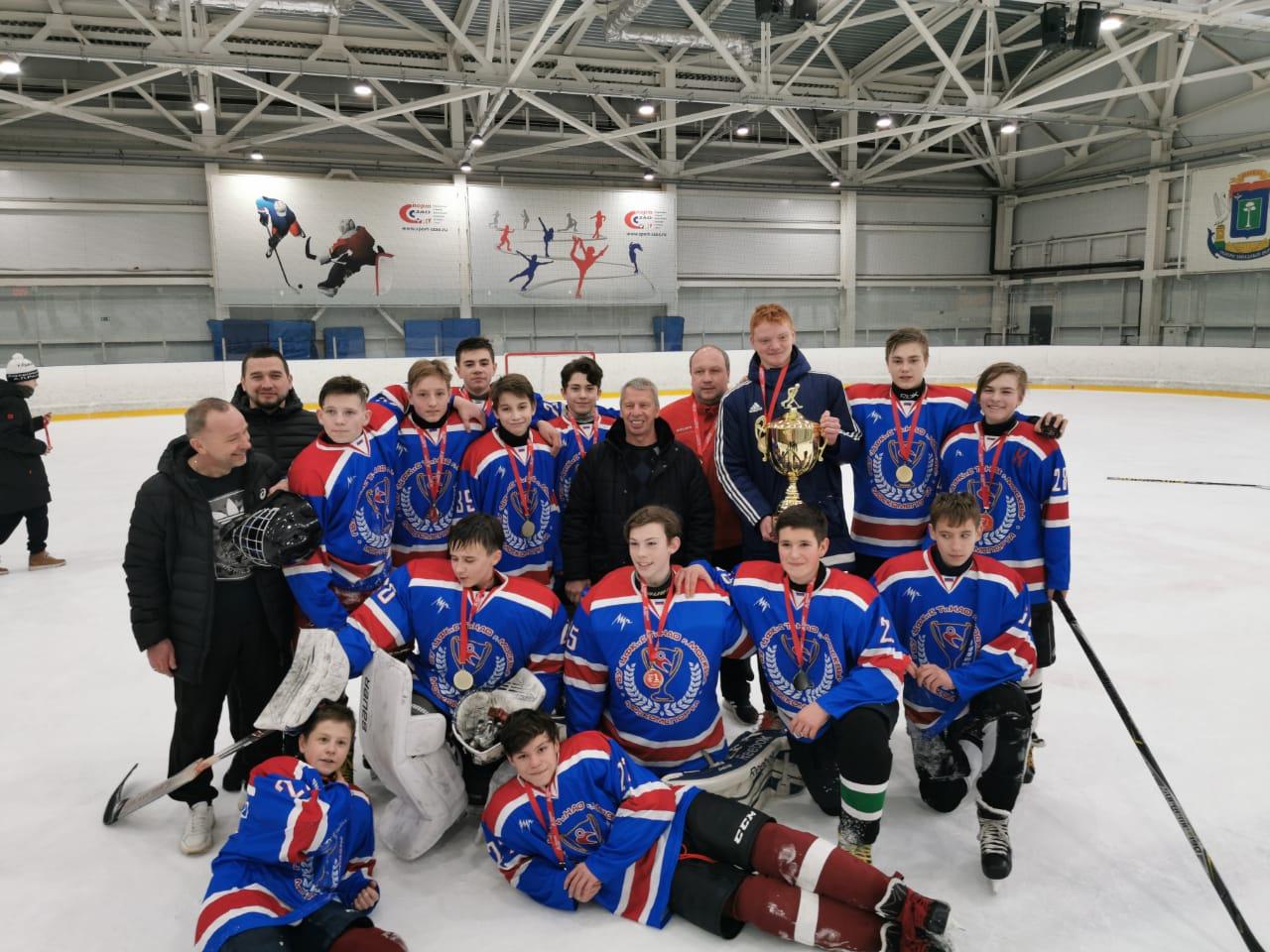 Хоккеисты из поселения Кленовское отпраздновали двойную победу