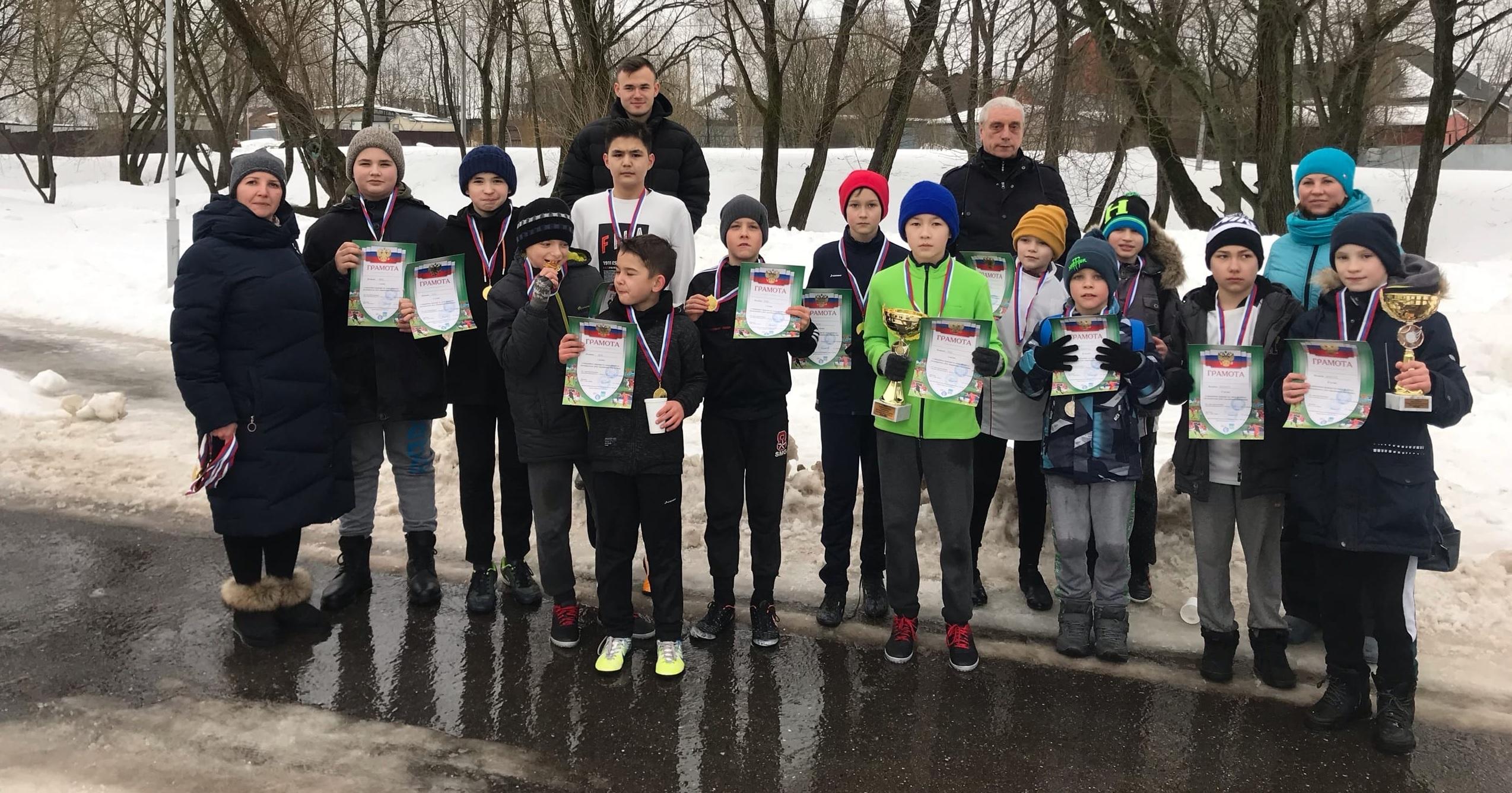 Турнир по мини-футболу в честь Дня защитника Отечества прошел в Марушкинском