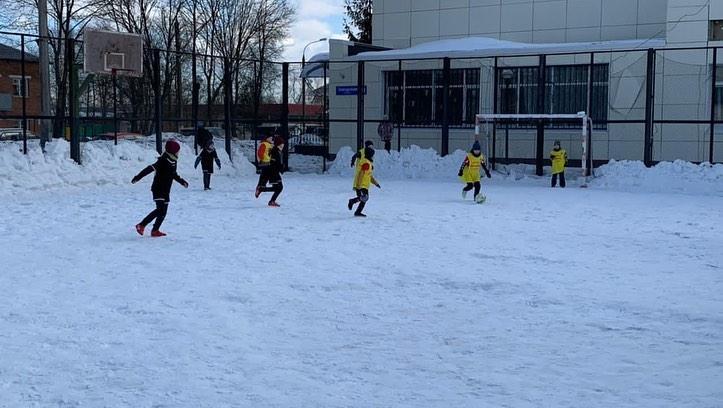 Турнир по мини-футболу на снегу прошел в Краснопахорском