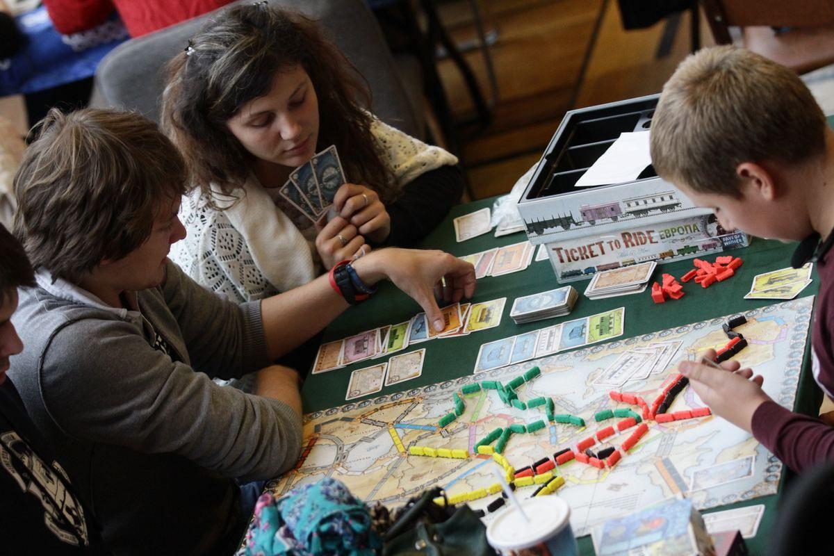 Марафон настольных игр проведут в Доме культуры «Коммунарка» поселения Сосенское