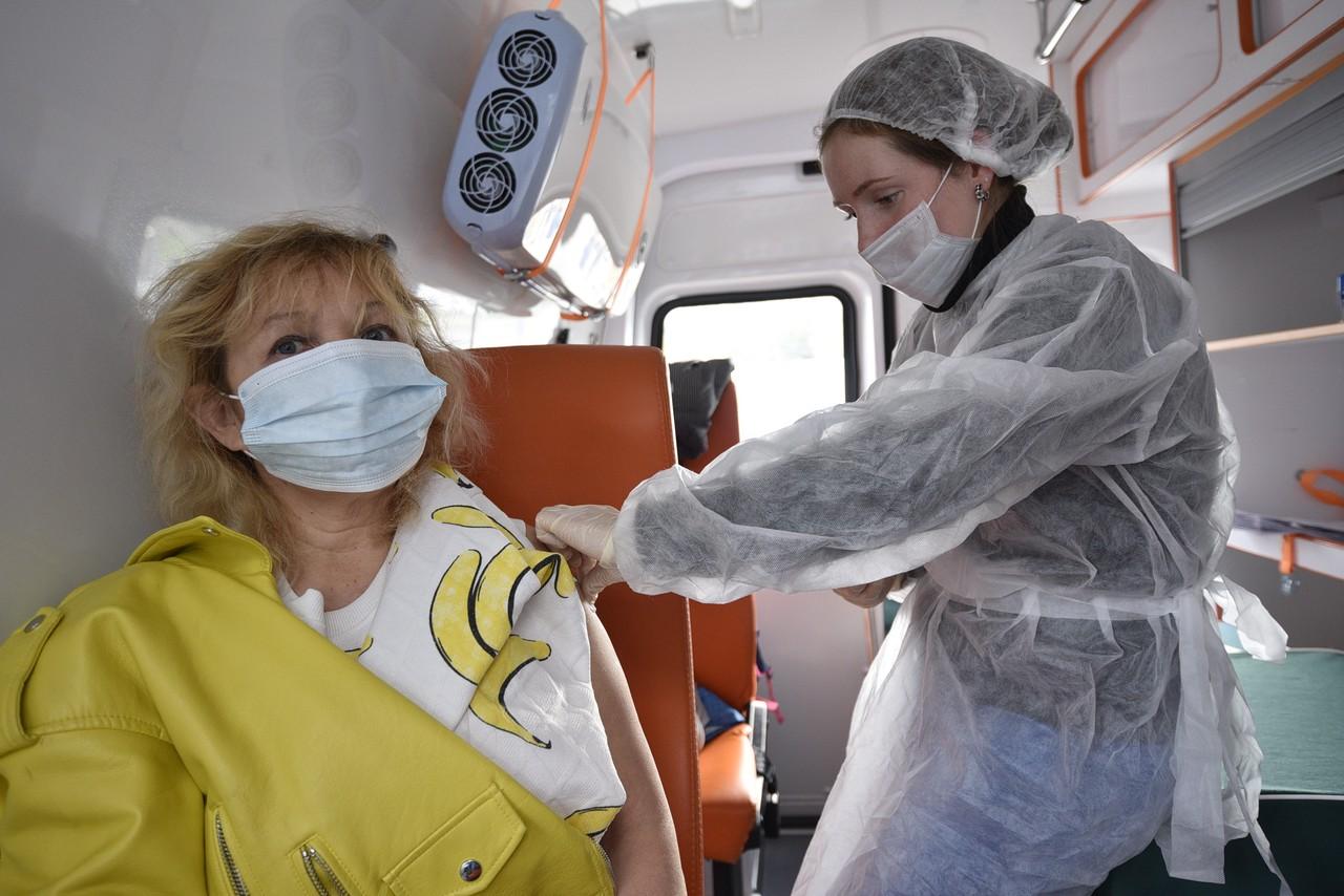 Выездные бригады вакцинации от COVID-19 в Новой Москве будут работать в праздники