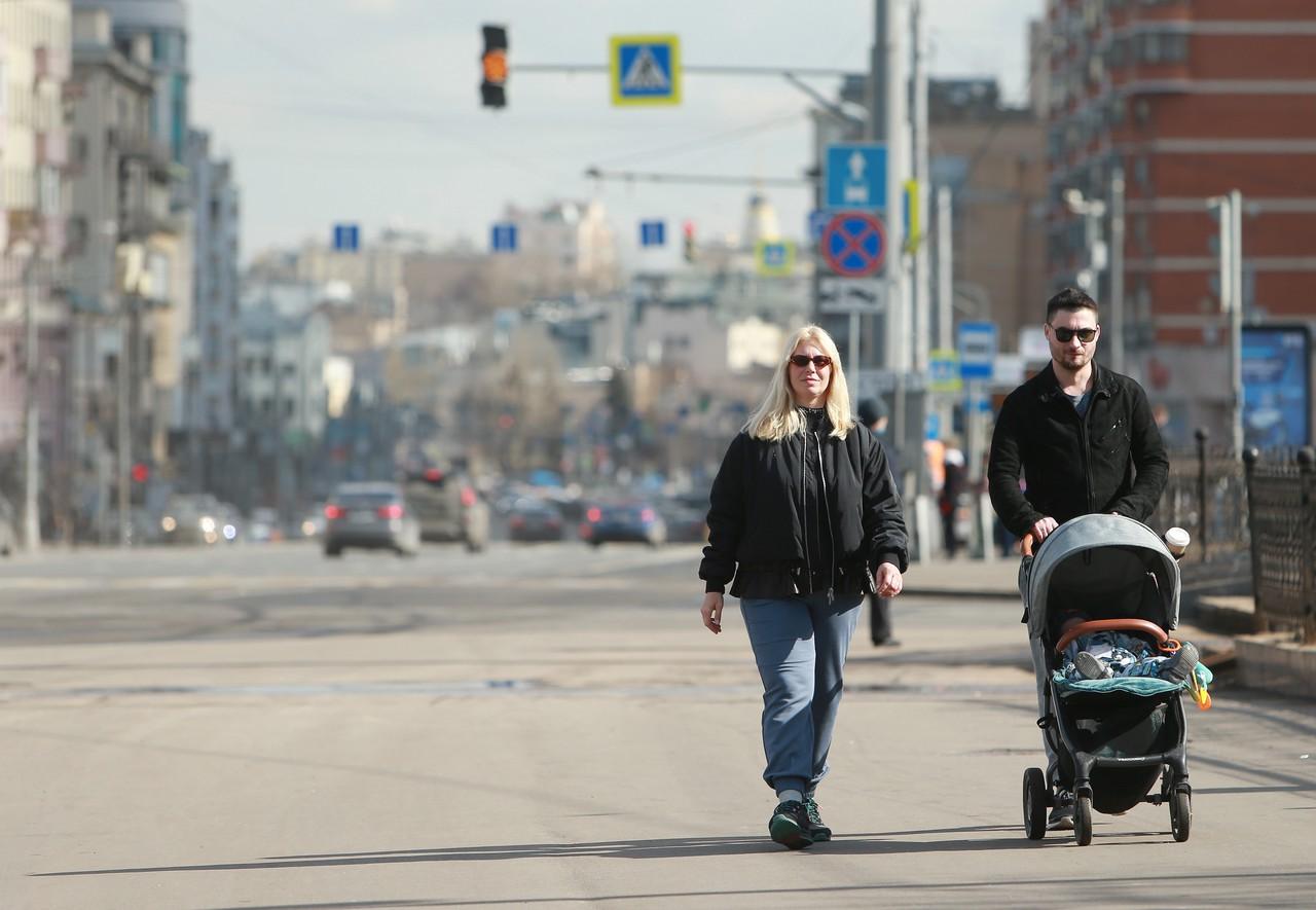 Теплая погода без осадков ожидается в Москве