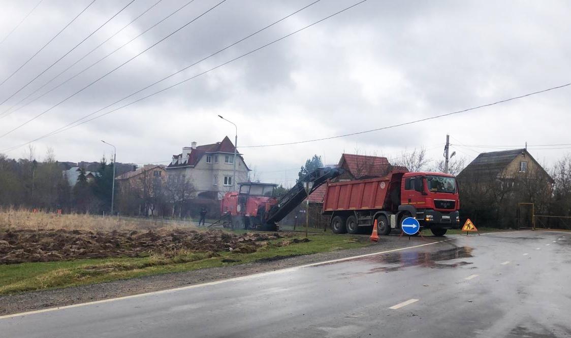 Специалисты приступили к ремонту объектов дорожного хозяйства в Рязановском
