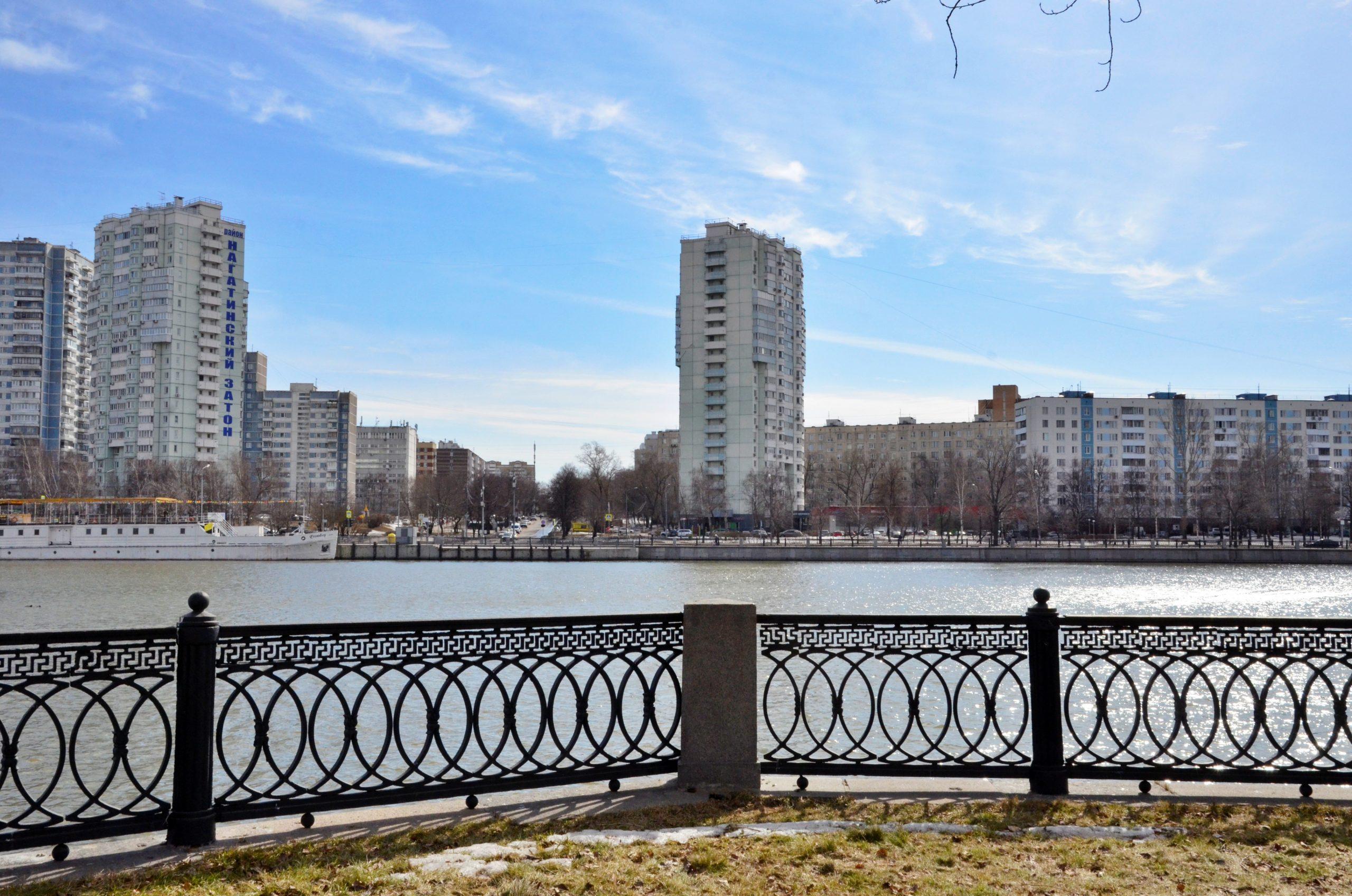 Переменная облачность и до 17 градусов тепла ожидают 11 апреля в Москве и области. Фото: Анна Быкова