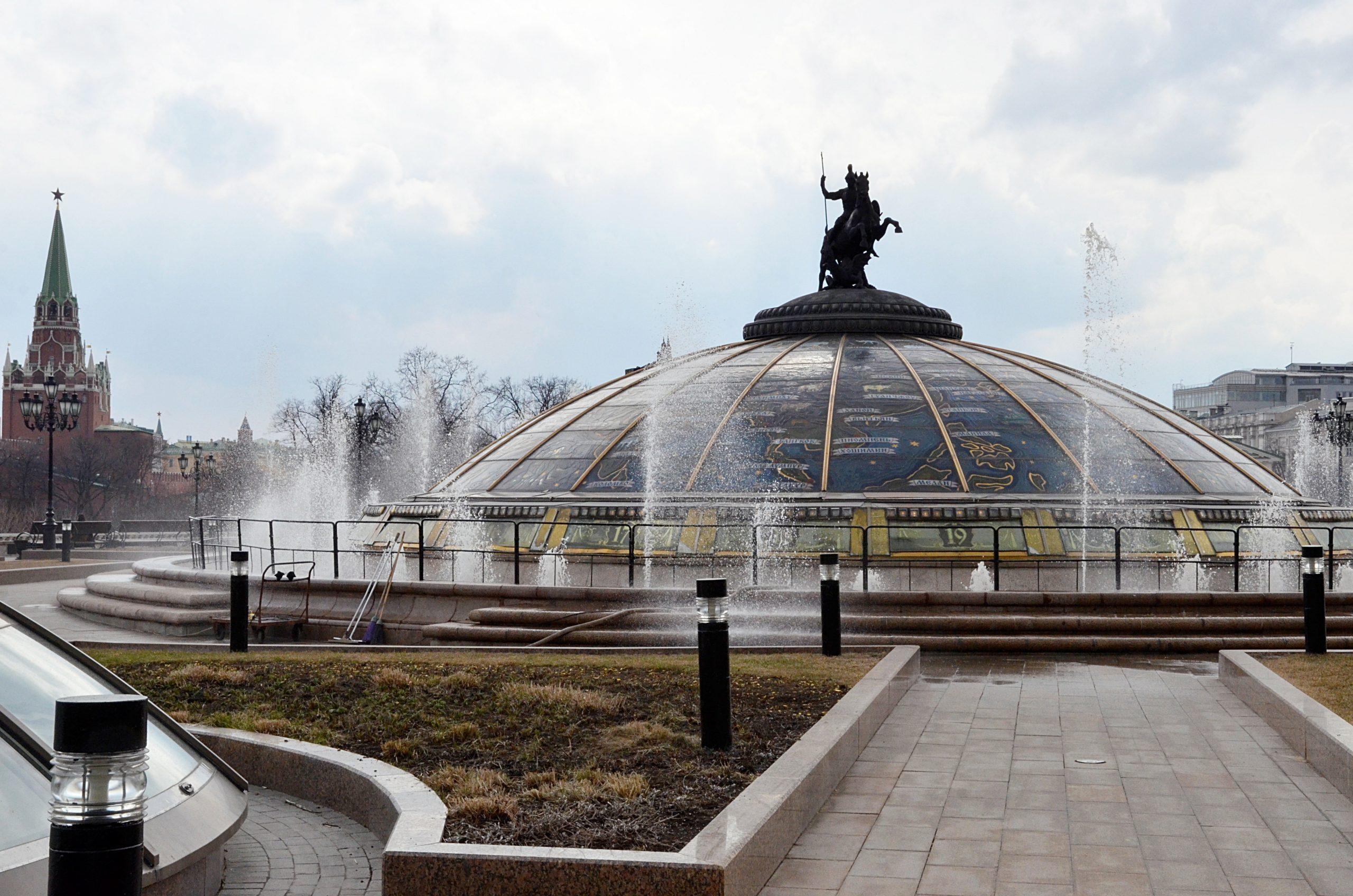 Специалисты завершили подготовку к открытию сезона фонтанов