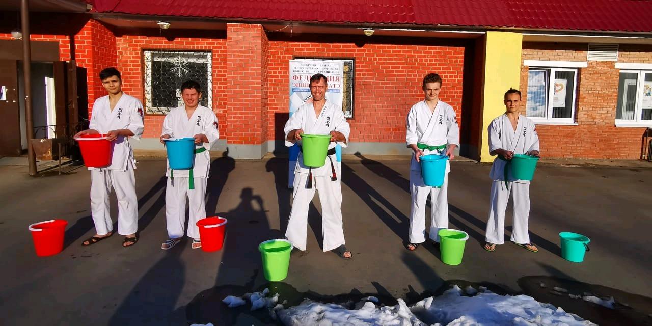 Жители Первомайского организовали спортивную акцию. Фото предоставил руководитель СК «Будзин» Владимир Петров