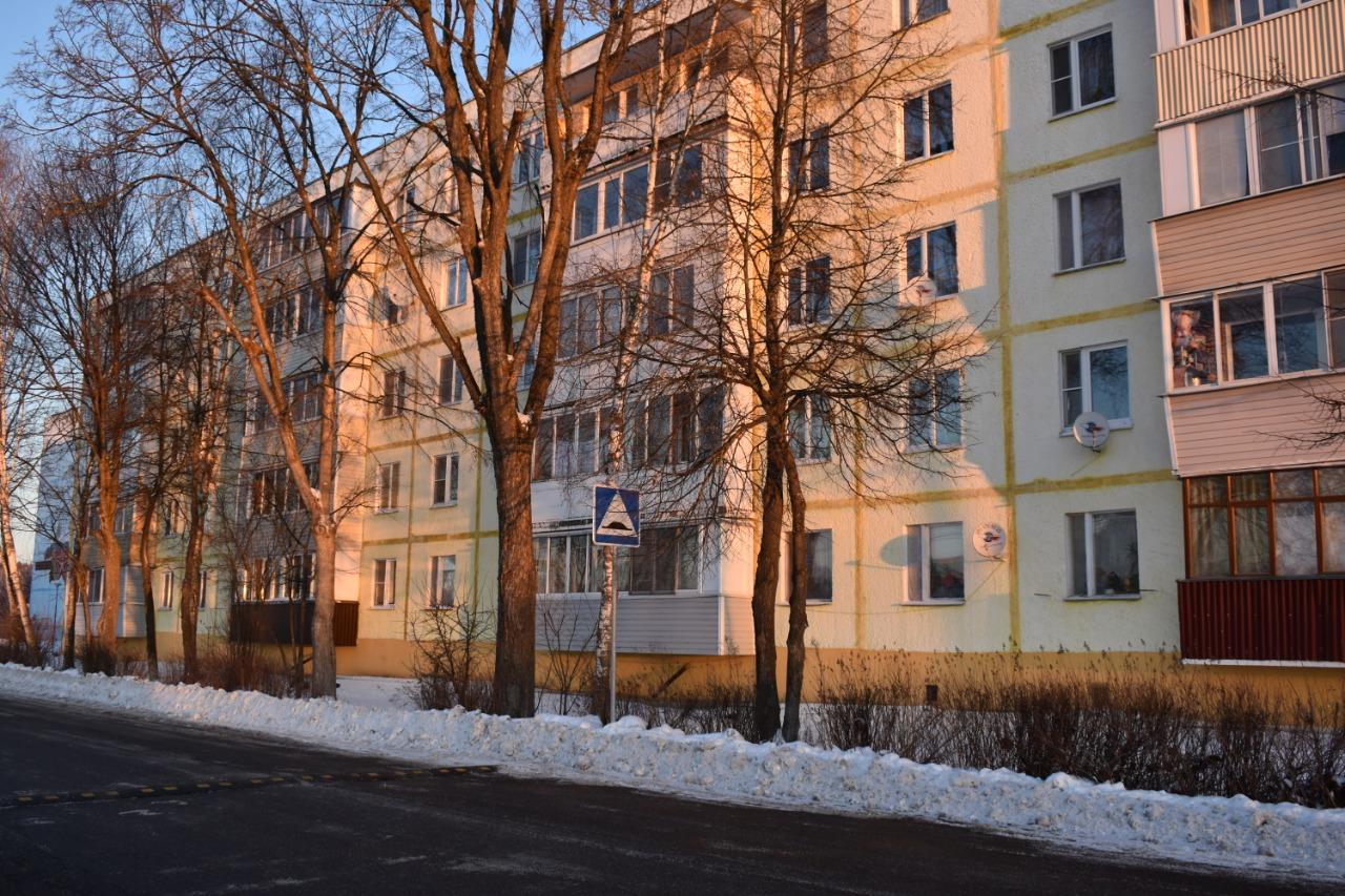 Специалисты приступят к формовочной обрезке кустарников в Роговском