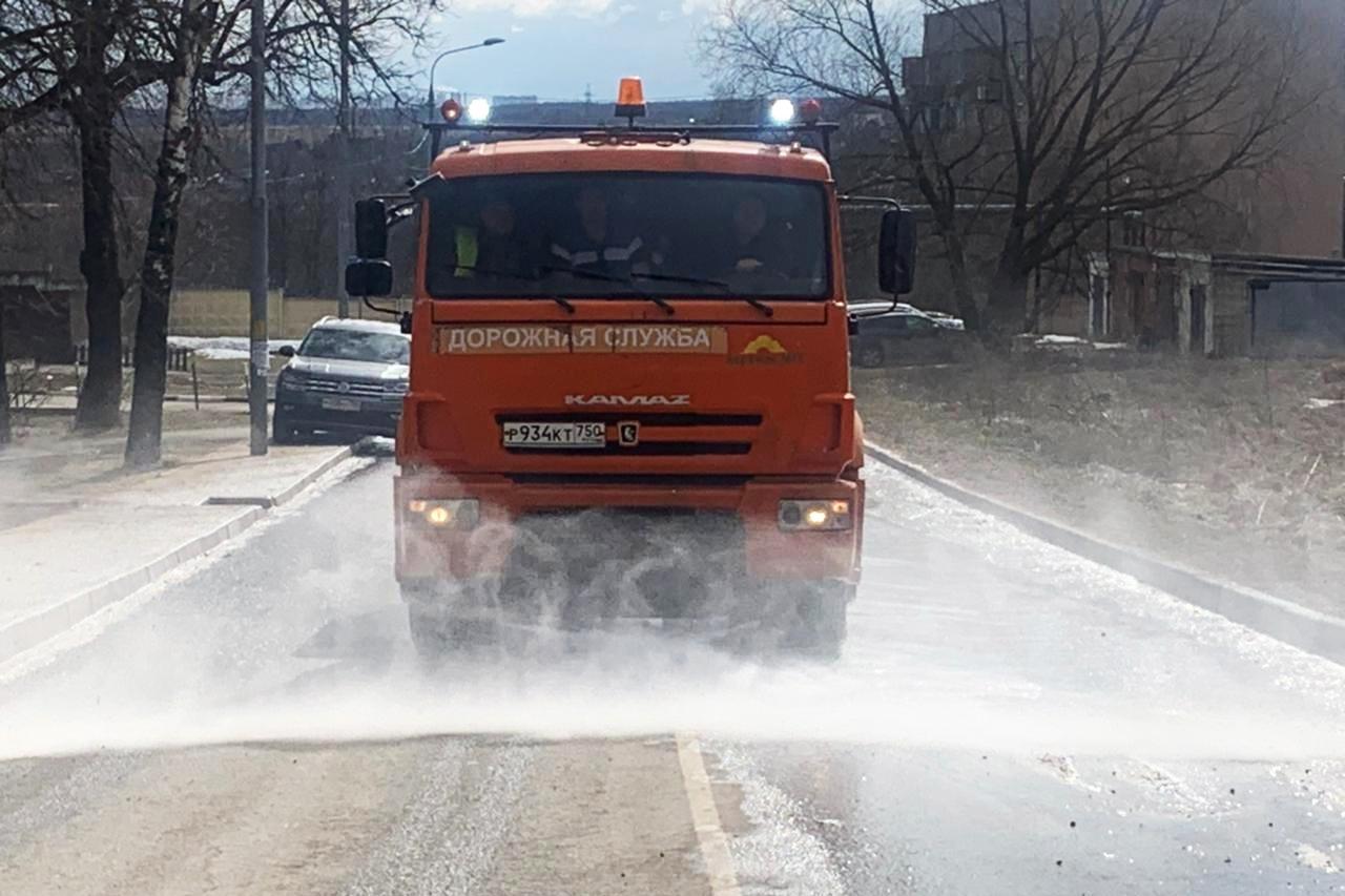 Первая промывка дорог в 2021 году прошла в Рязановском