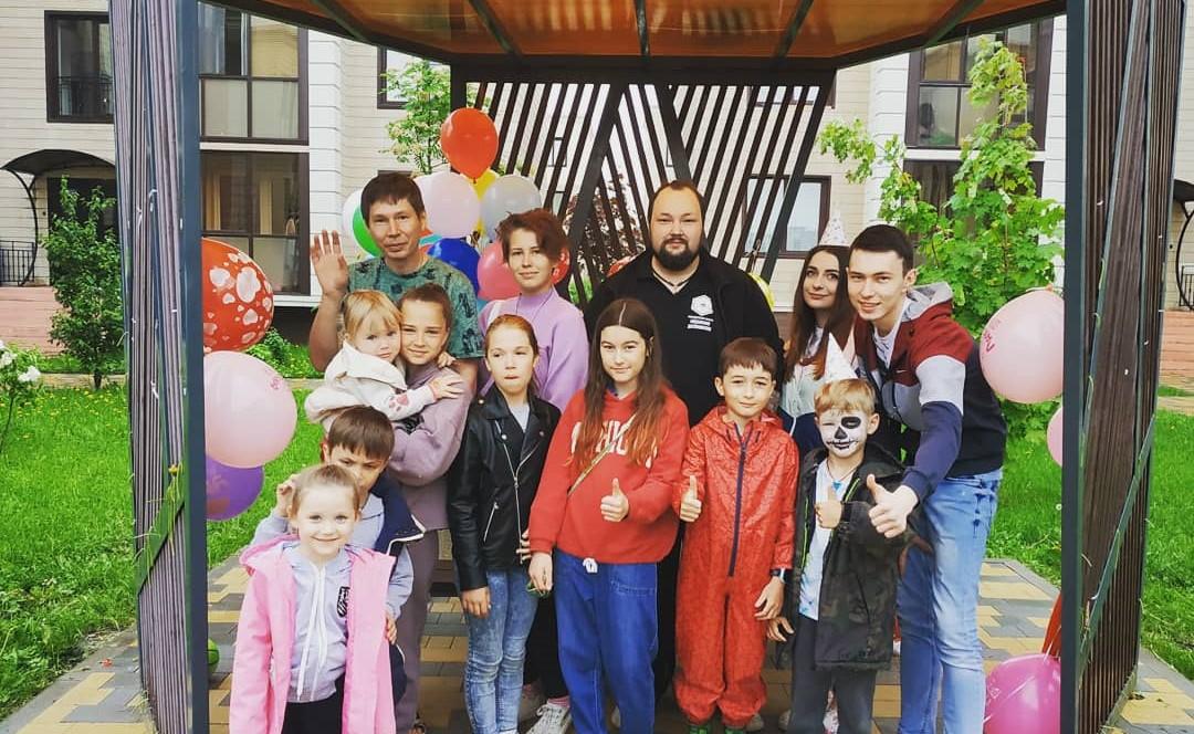 Активисты Молодежной палаты Десеновского провели мероприятие ко Дню защиты детей