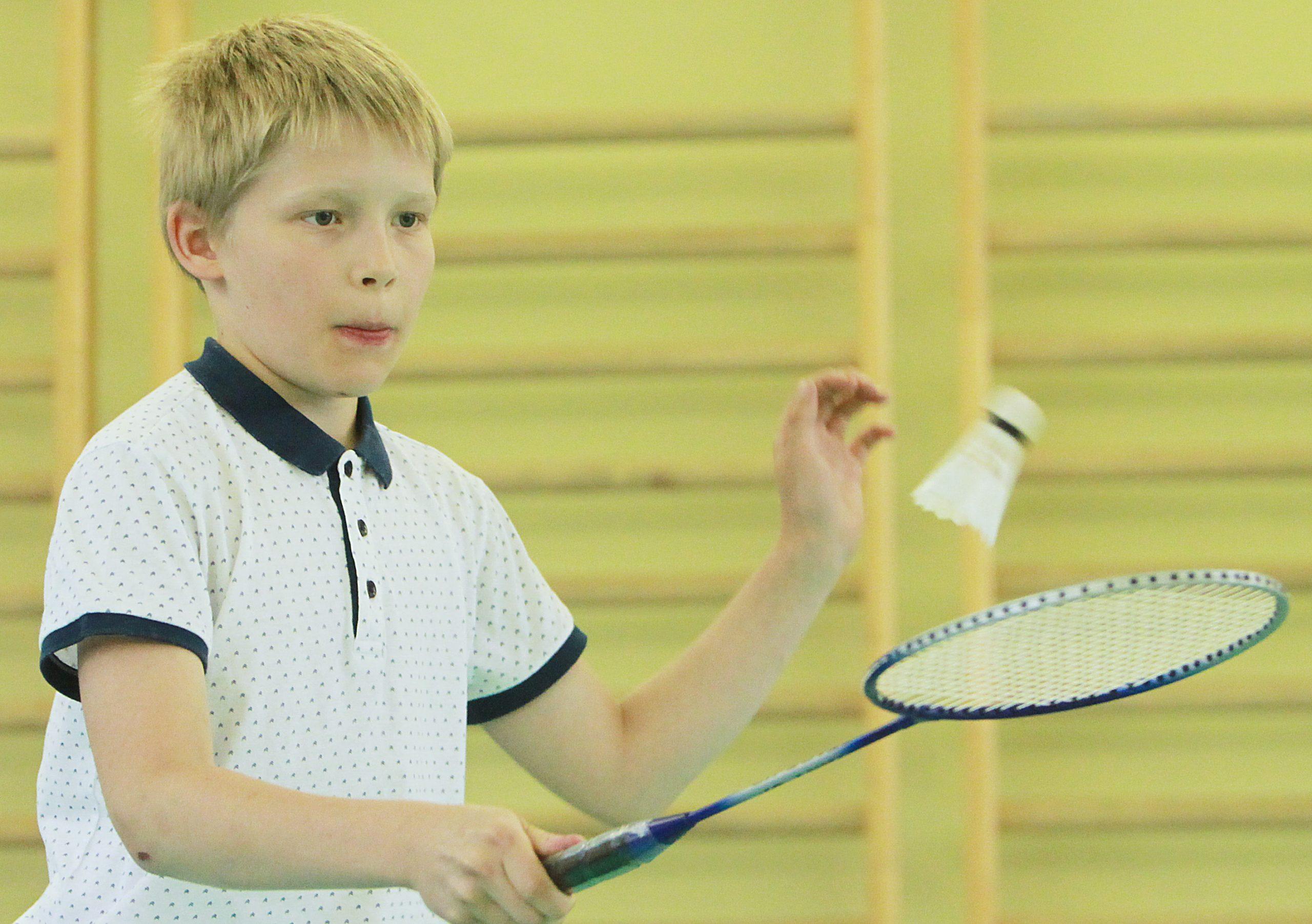 Турнир по бадминтону среди семейных команд провели сотрудники Центра культуры и спорта «Филимонковское»