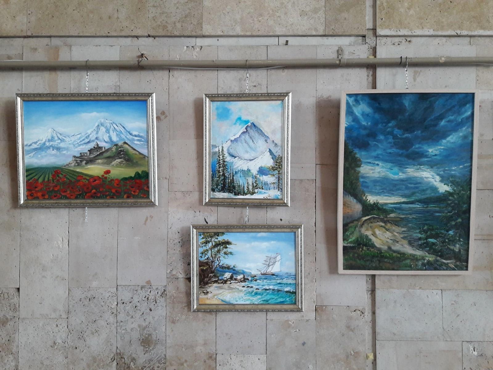 Сотрудники Дворца культуры «Московский» организовали новую выставку