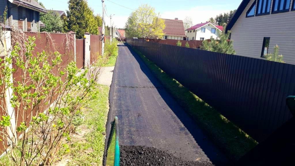 Очередной этап ремонта объектов дорожного хозяйства завершили в деревне Раево