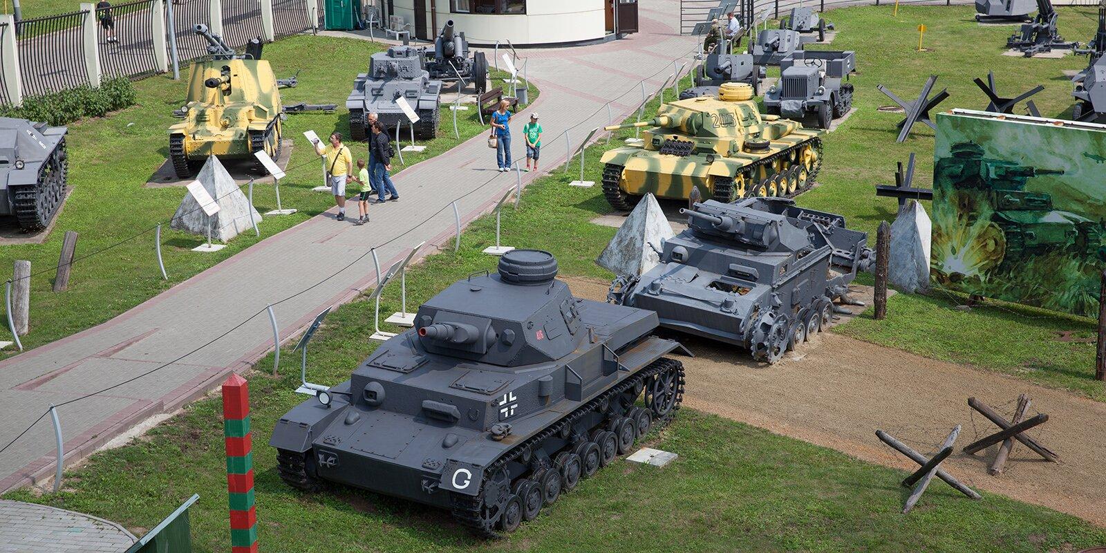 Военную технику представили в музеях Москвы