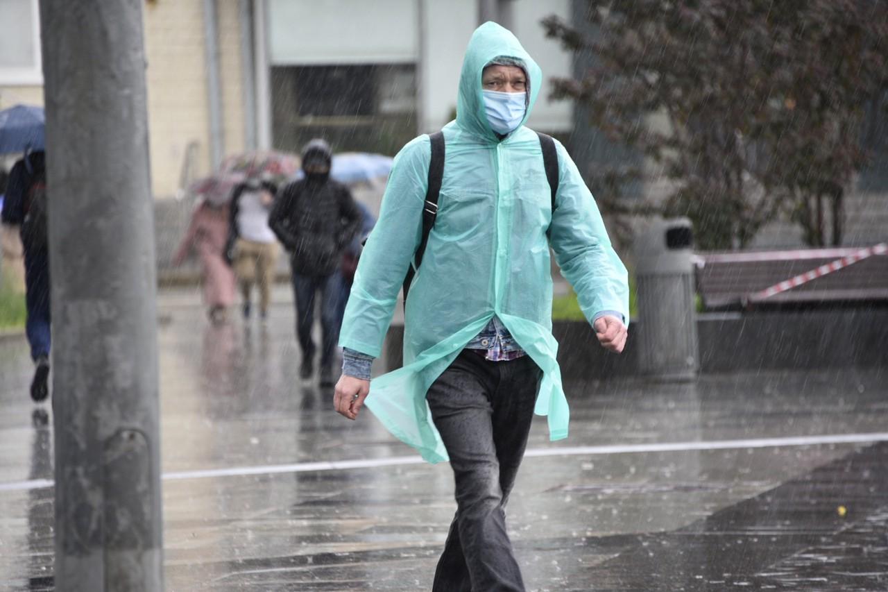Синоптики пообещали москвичам небольшое снижение температуры во вторник