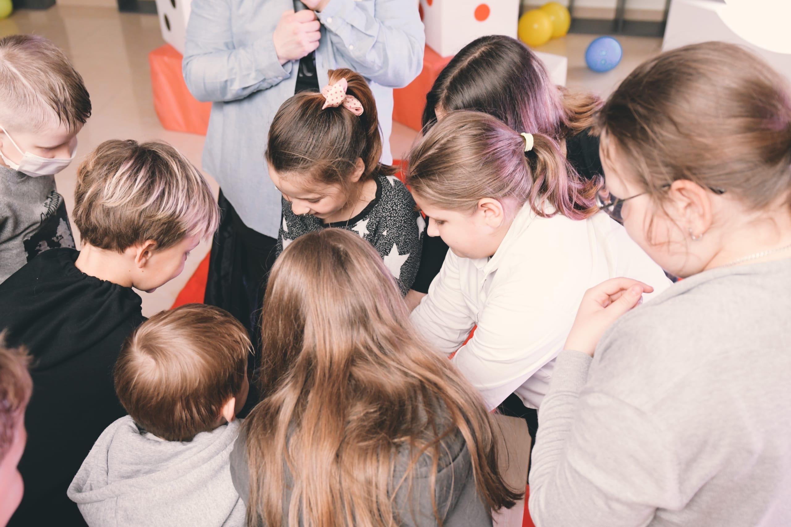 Игру «Брейн-ринг» провели сотрудники Культурного центра «Киевский»