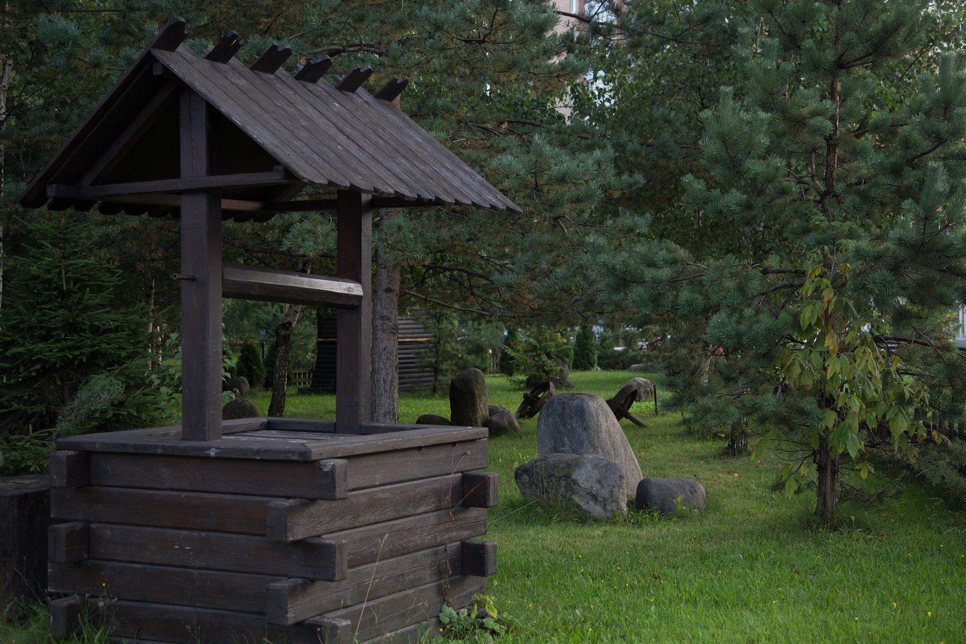 Мероприятия по ремонту колодцев начались в поселении Рязановское