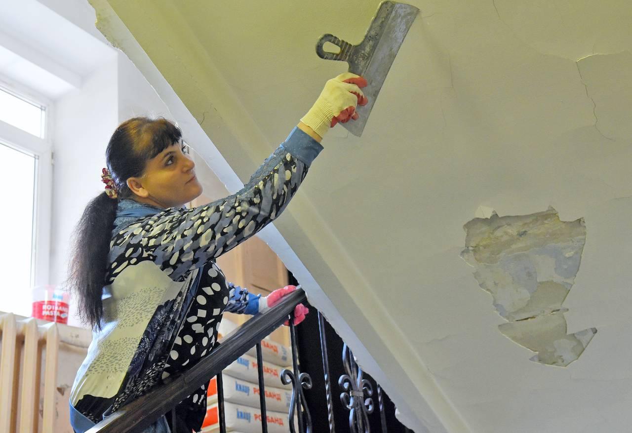 Свыше 800 проектов капремонта жилых домов утвердили в Москве за полгода