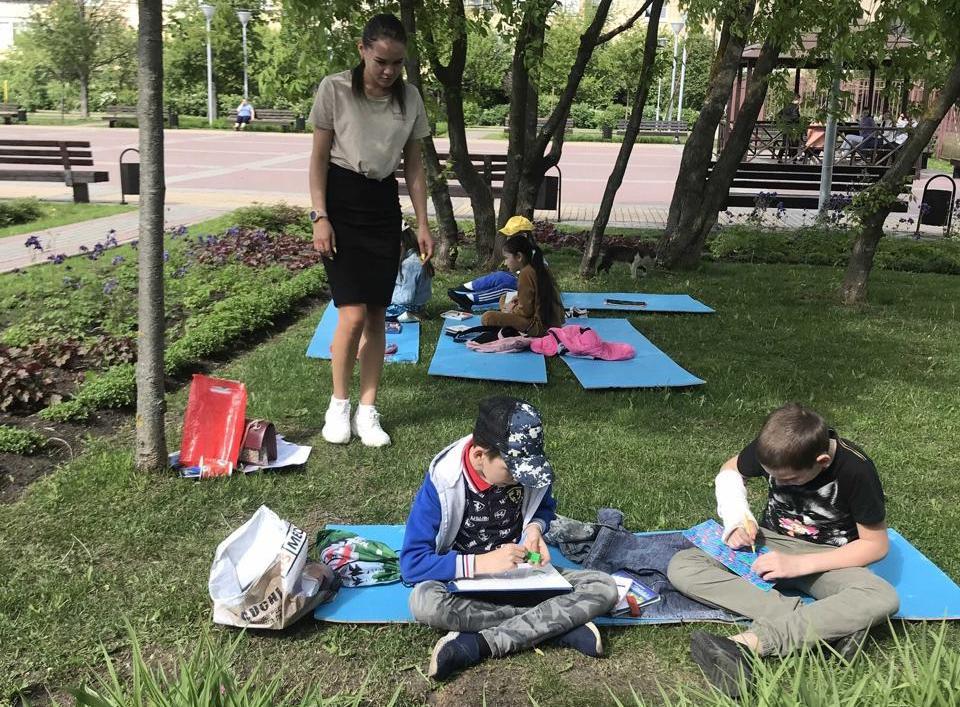 Художественный мастер-класс прошел в Марушкинском