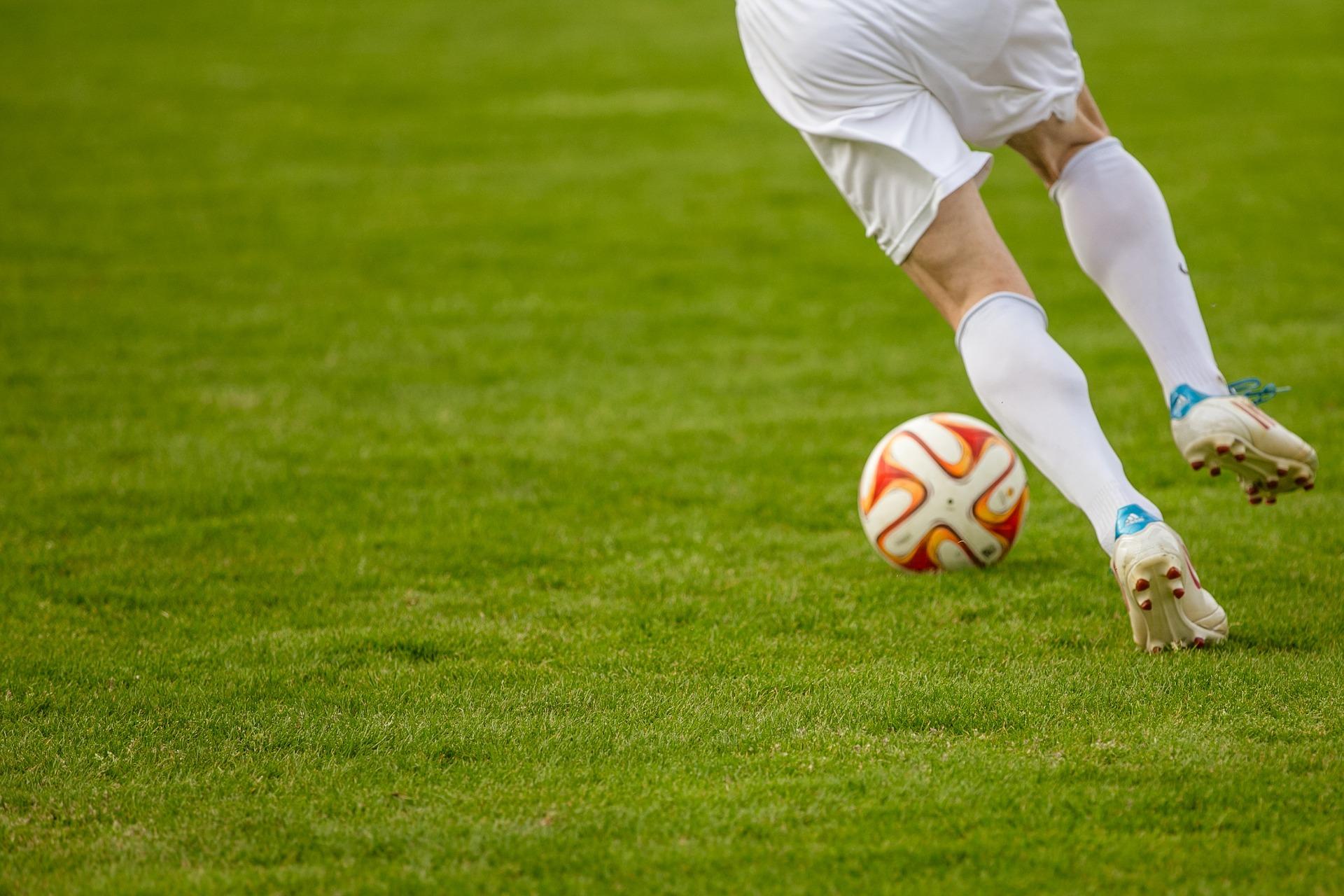 Футболисты спортивного клуба «Медведь» обыграли команду в контрольном матче