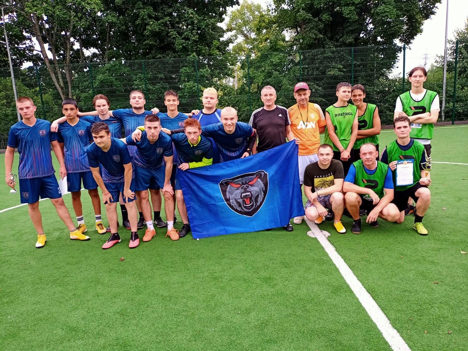 Футболисты спортивного клуба «Медведь» победили в матче среди молодежных команд