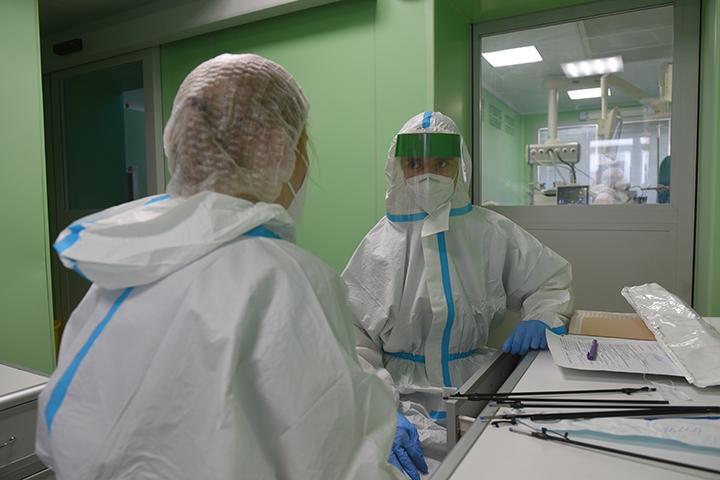 Более трех тысяч случаев заболевания коронавирусом выявили в Москве