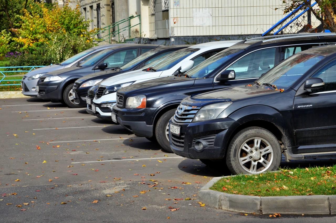 Более трех тысяч бесплатных парковочных мест разместили на московских улицах