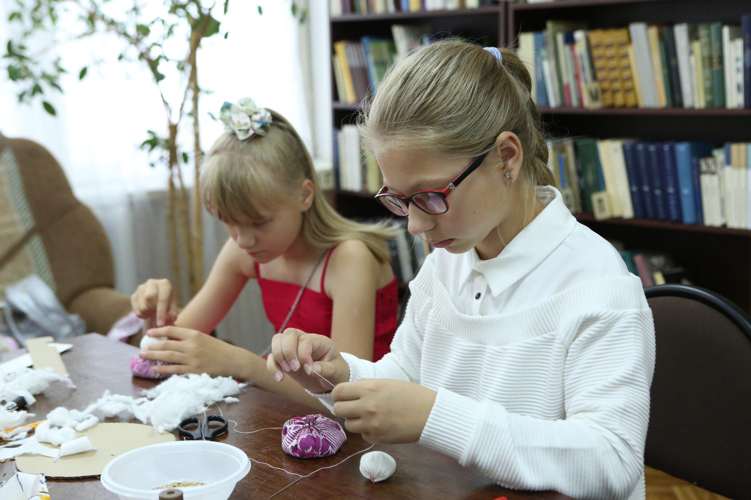 Мастер-класс по созданию куклы бибабо прошел в подразделении «Марушкино» Культурного центра «Внуково»