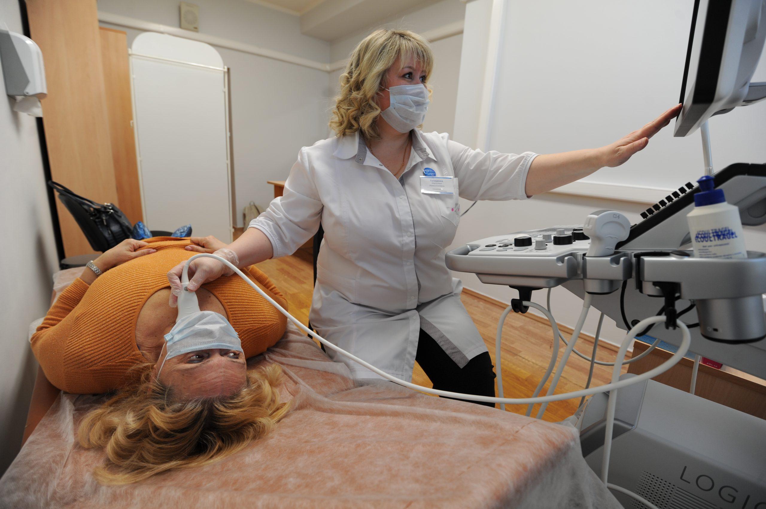 Более чем 100 единиц высокотехнологичного медоборудования приобрели для модернизированных после капитального ремонта московских поликлиник