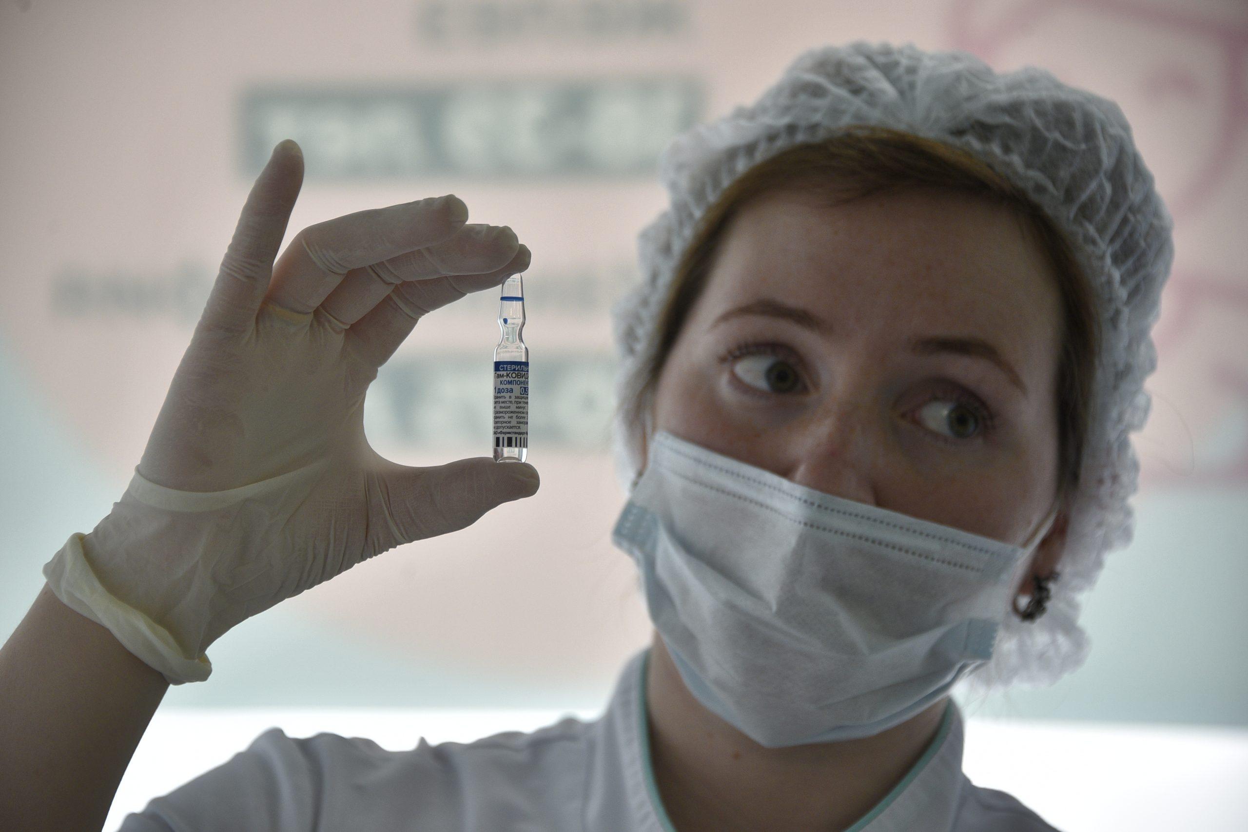 За минувшие сутки в России зарегистрировали 23 120 случаев заражения коронавирусом