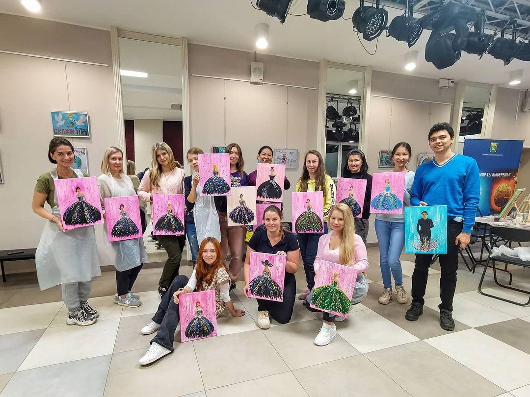 Сотрудники Дома культуры «Коммунарка» провели творческий мастер-класс