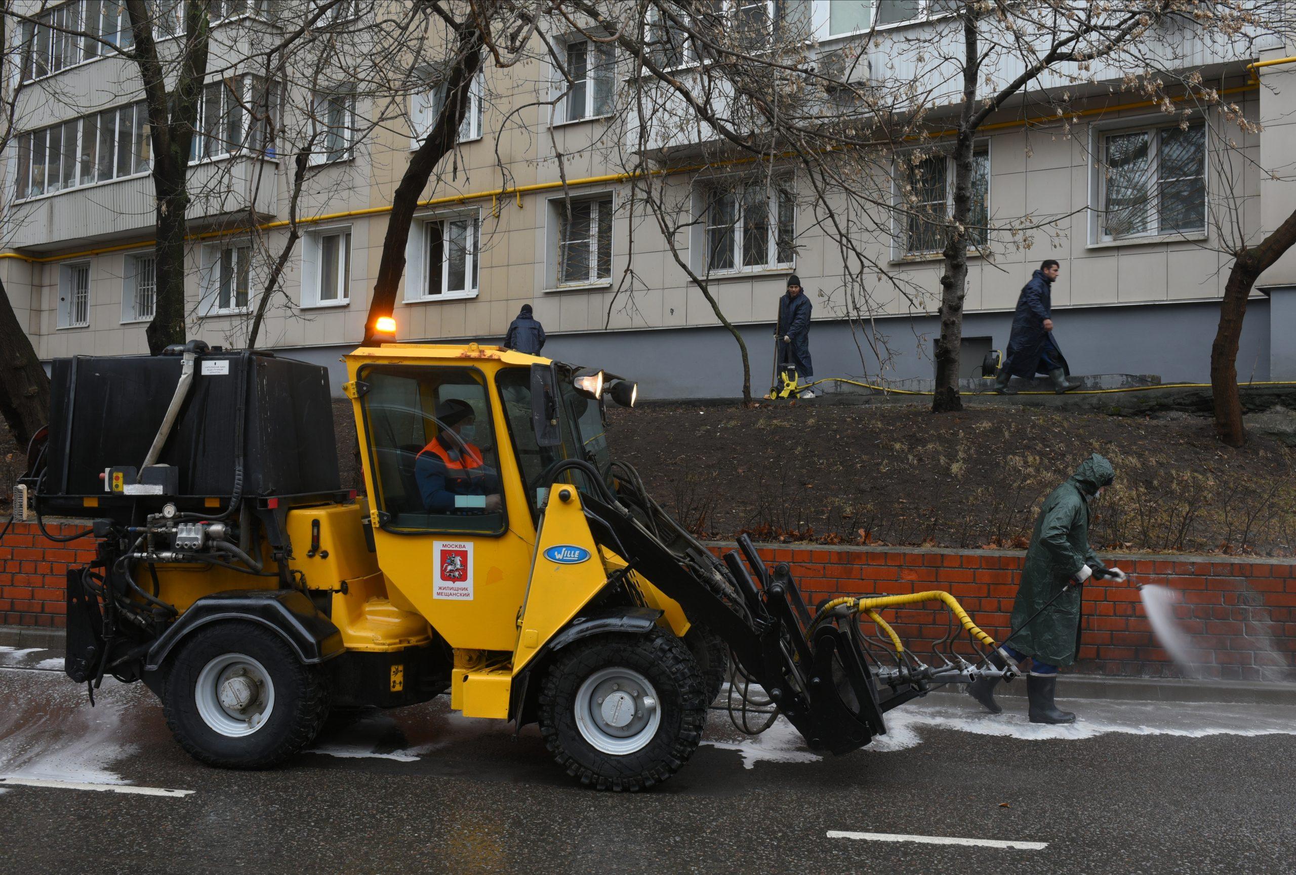 Коммунальную технику столицы подготовили к осенне-зимнему сезону