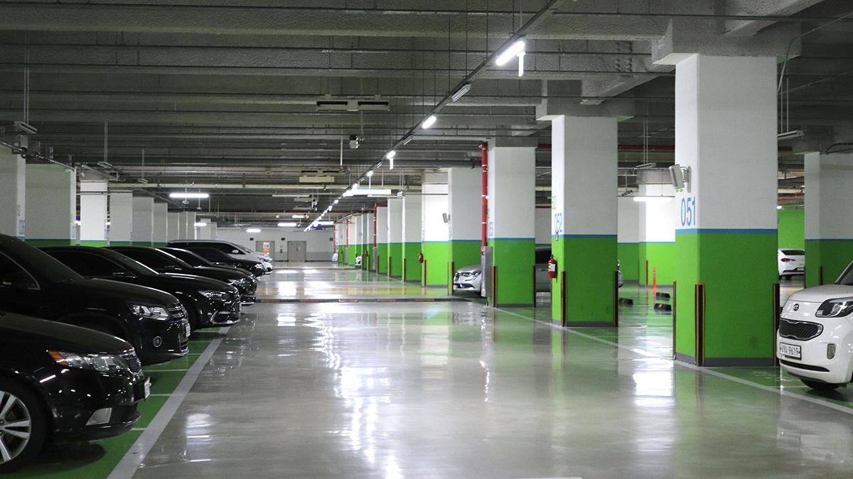 Около 3,1 тысячи парковочных мест создадут в Новой Москве до конца 2021 года