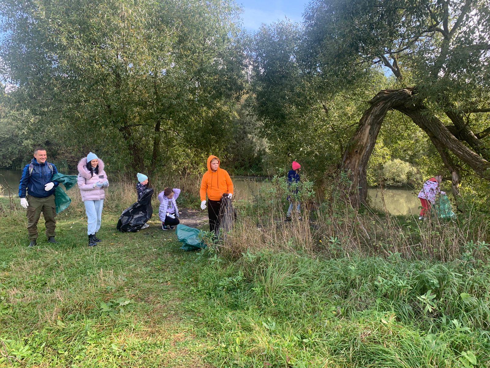Экологическая акция «Всемирный день чистоты» прошла в Десеновском