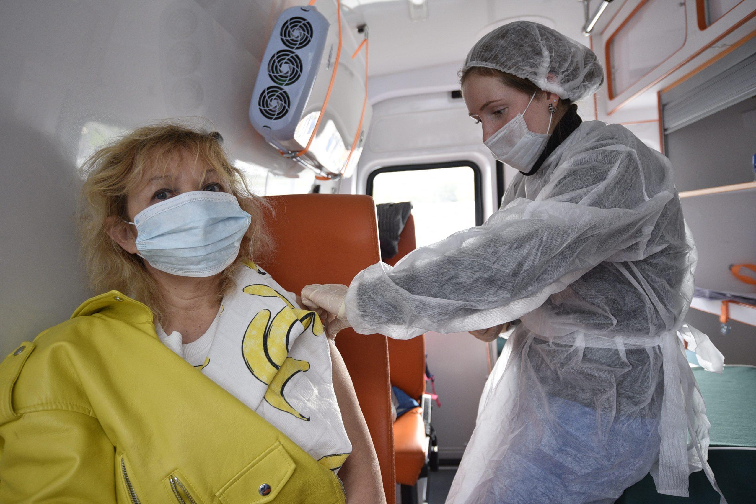 За 24 часа в России зафиксировали 25 133 случая заражения COVID-19