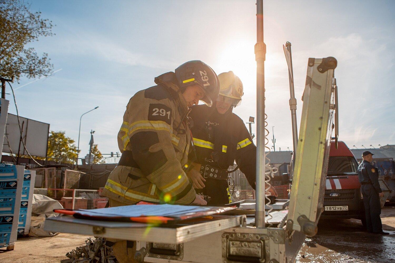 В Москве прошли масштабные учения по тушению пожара в высотном здании