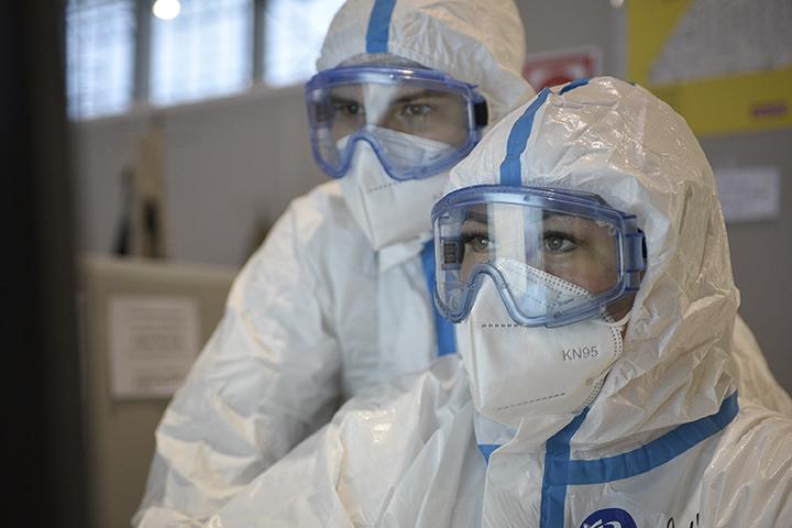 За прошедшие сутки в столице выявили 4 410 новых случаев инфекции COVID-19. Фото: Пелагия Замятина, «Вечерняя Москва»
