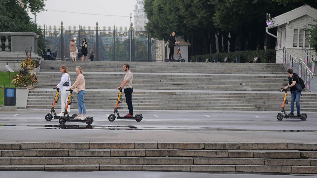Жители Москвы воспользовались электрическими самокатами семь миллионов раз