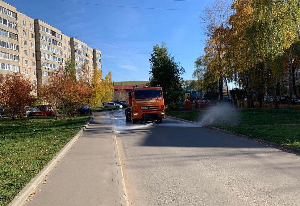 Промывка дорог прошла в поселении Рязановское