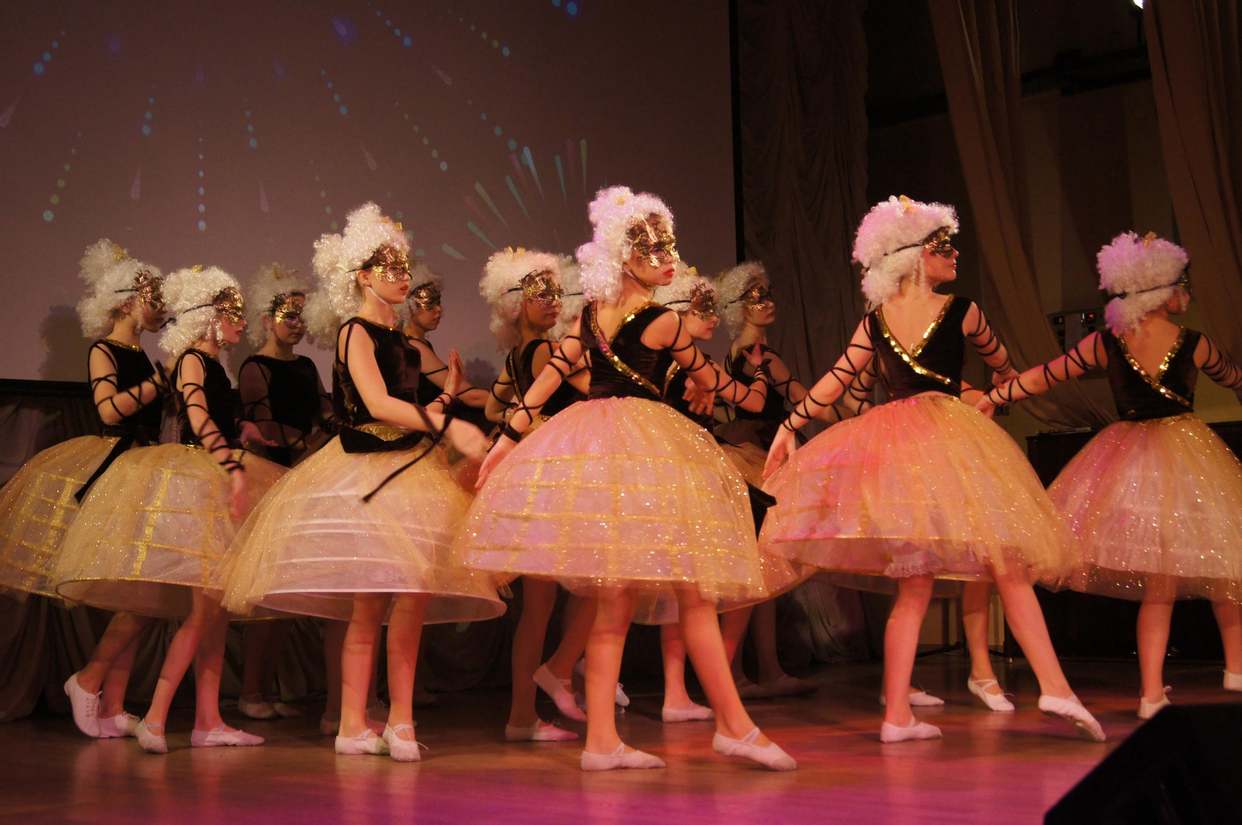 Праздничный концерт ко Дню учителя прошел в Рязановском