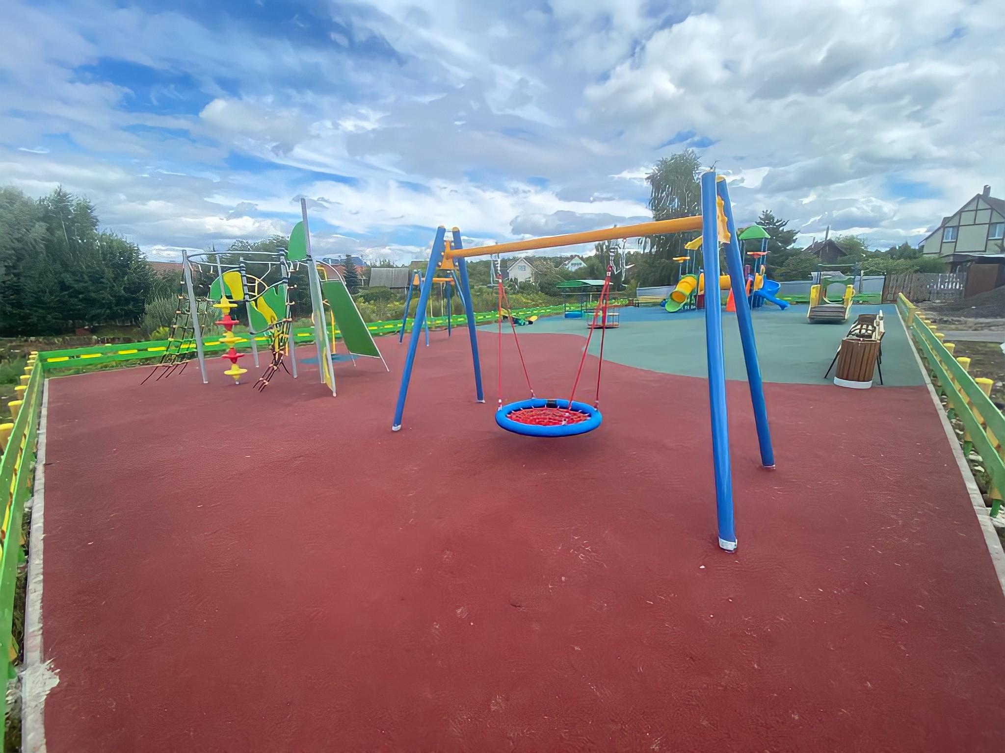 Новая детская площадка появилась в Десеновском