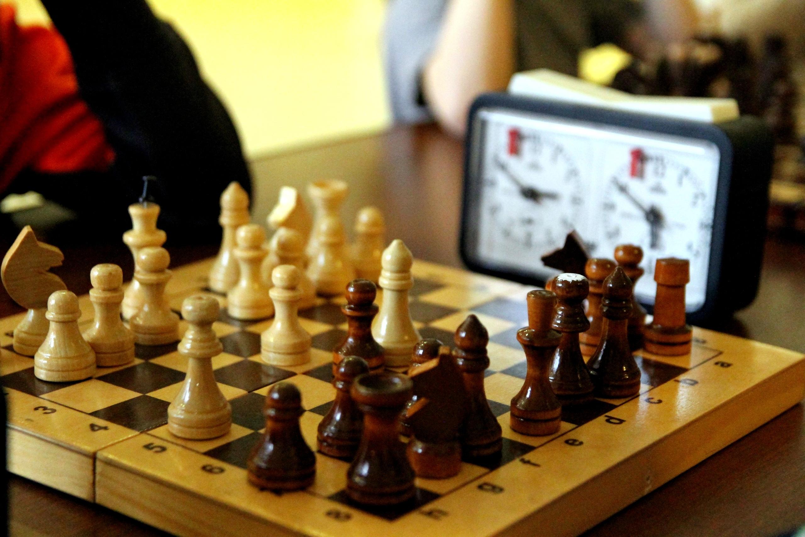 Сотрудники Центра культуры и спорта «Филимонковское» провели этап подготовки к турниру по шахматам