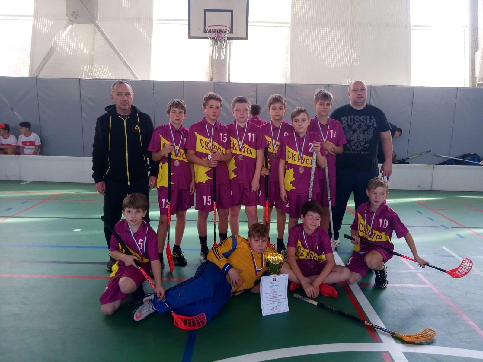 Спортсмены из Кленовского завоевали победу в финальных соревнованиях по флорболу
